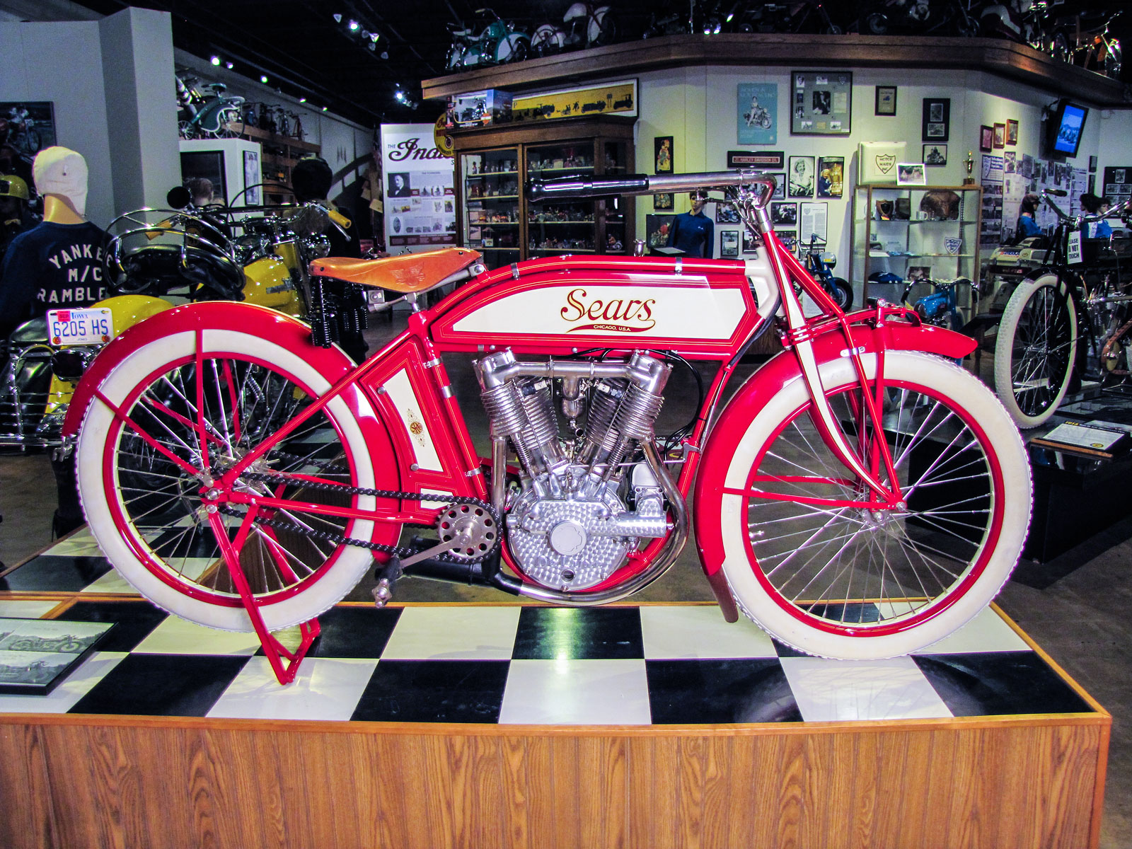 Featured Motorcycle 1913 Sears De Luxe Dreadnought Twin