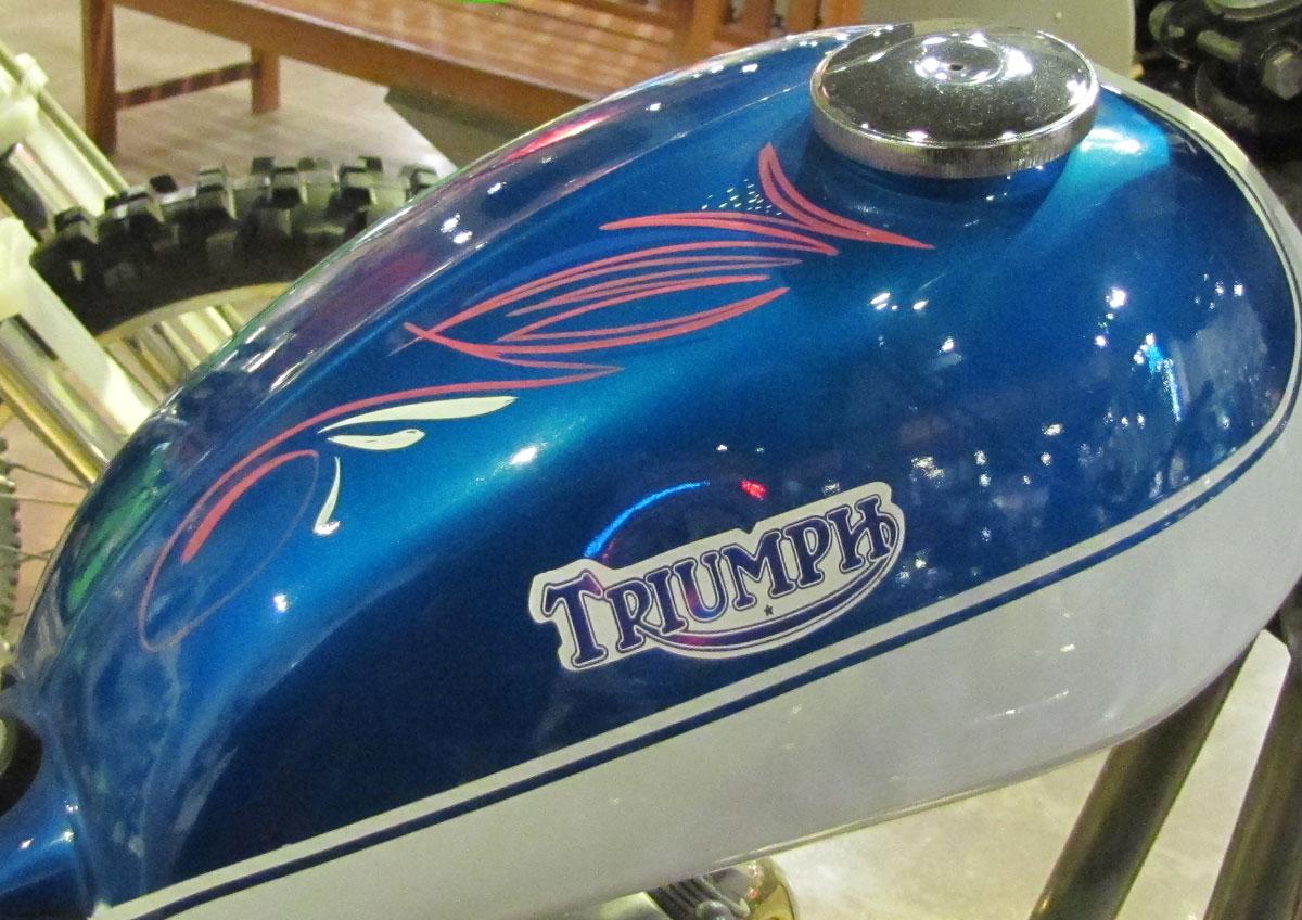1966-triumph_track_10