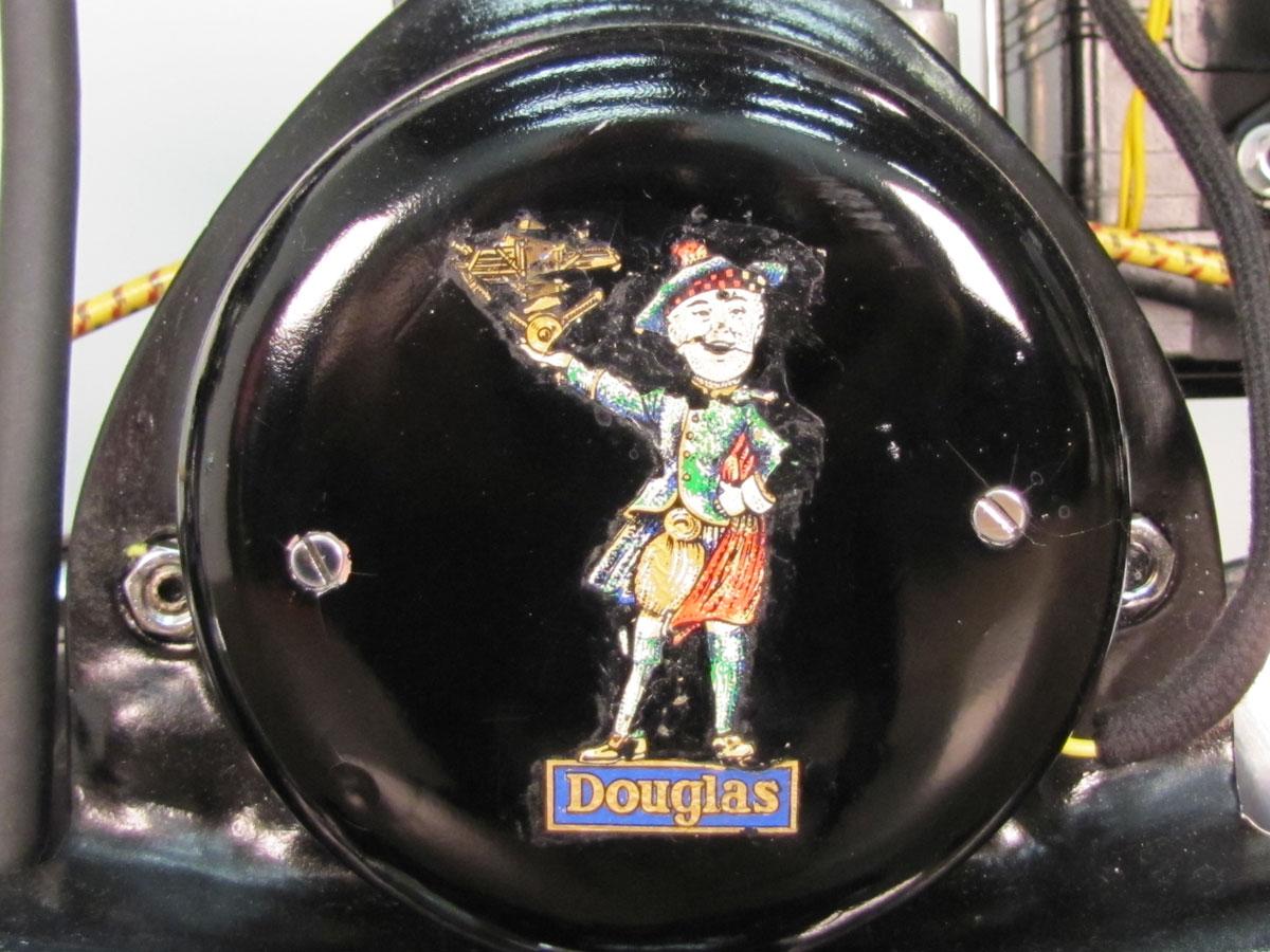 1930-douglas-10