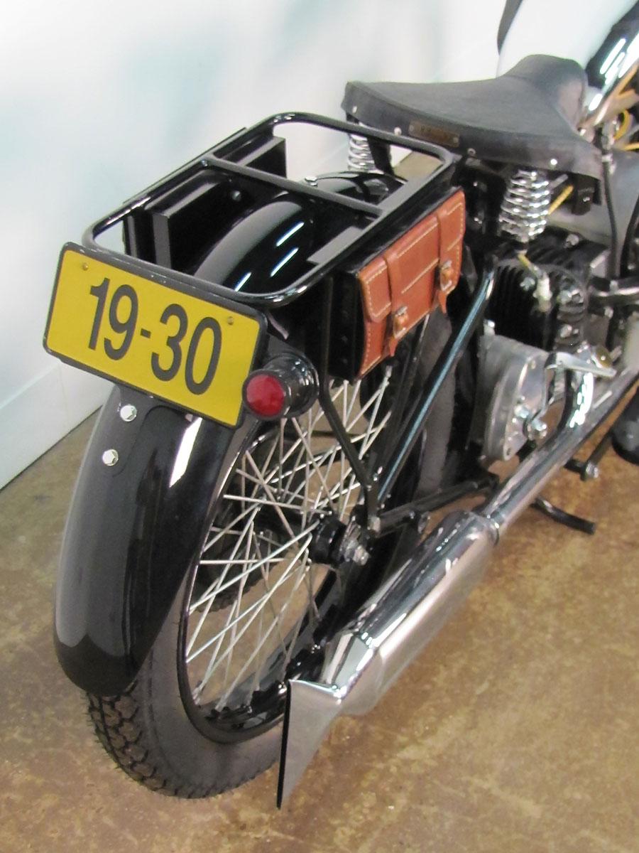 1930-douglas-6