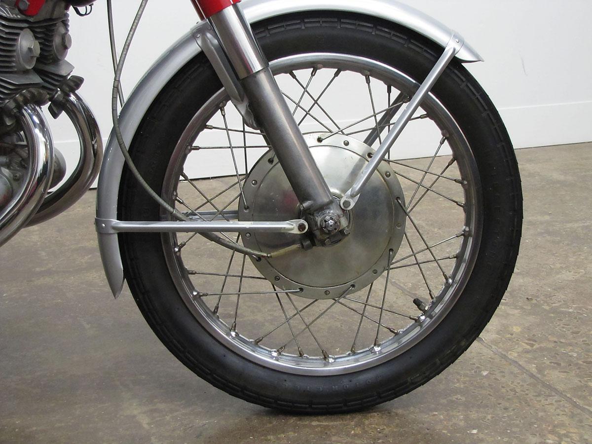 1965 Honda Super Hawk_10