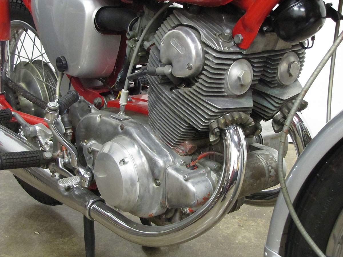1965 Honda Super Hawk_11