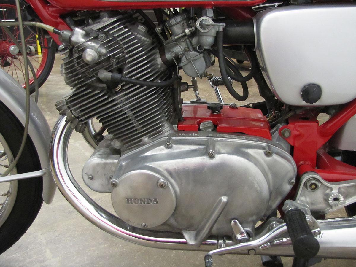 1965 Honda Super Hawk_14