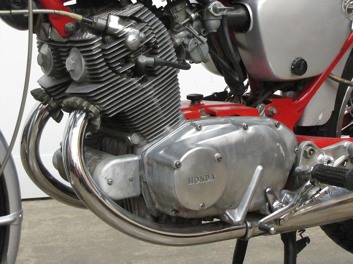 1965 Honda Super Hawk_21