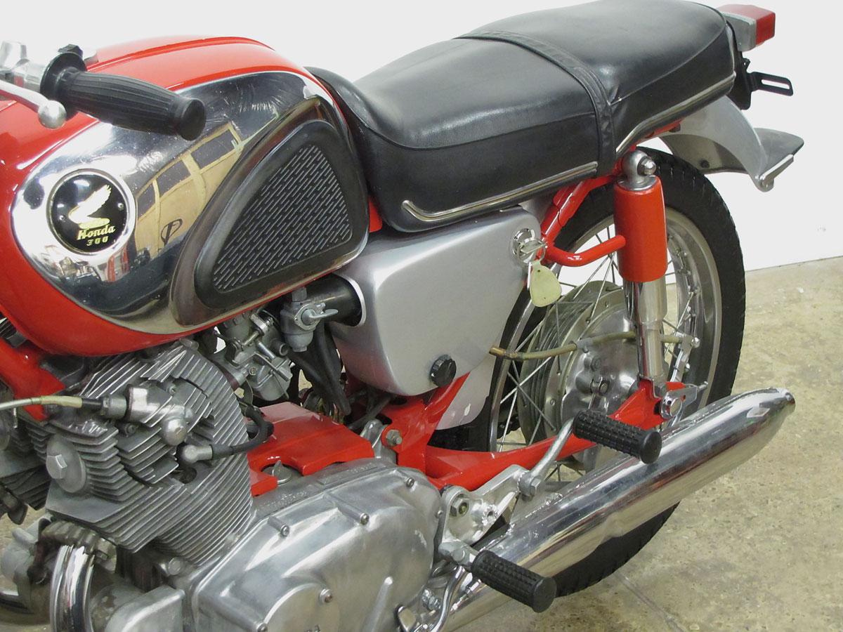 1965 Honda Super Hawk_22