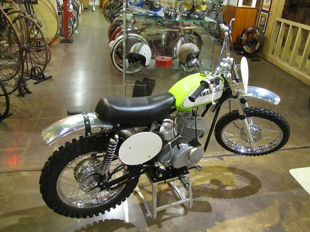 1969-Kawasaki-F21M-Green-Streak_3