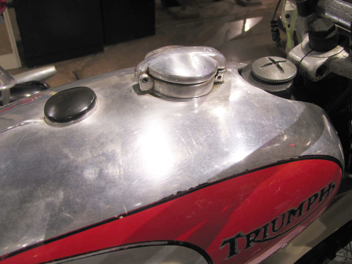 1973-triumph-TR5_12