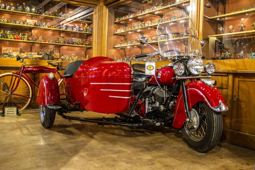 1946 Indian Chief with Indian Sidecar - National Motorcycle