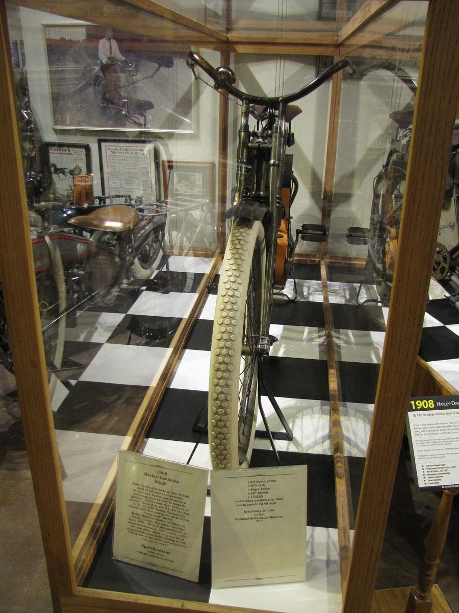 1908-harley-davidson-strap-tank_3
