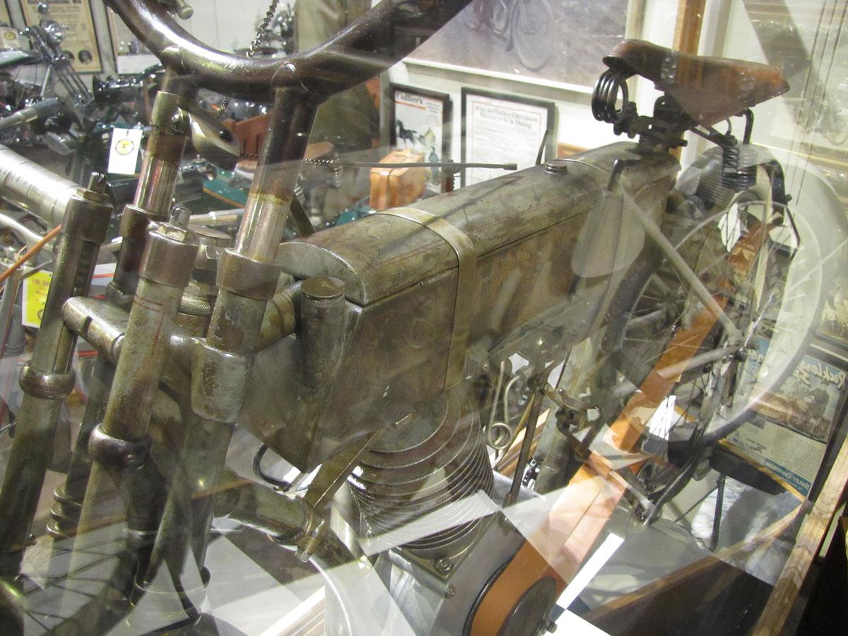 1908-harley-davidson-strap-tank_4