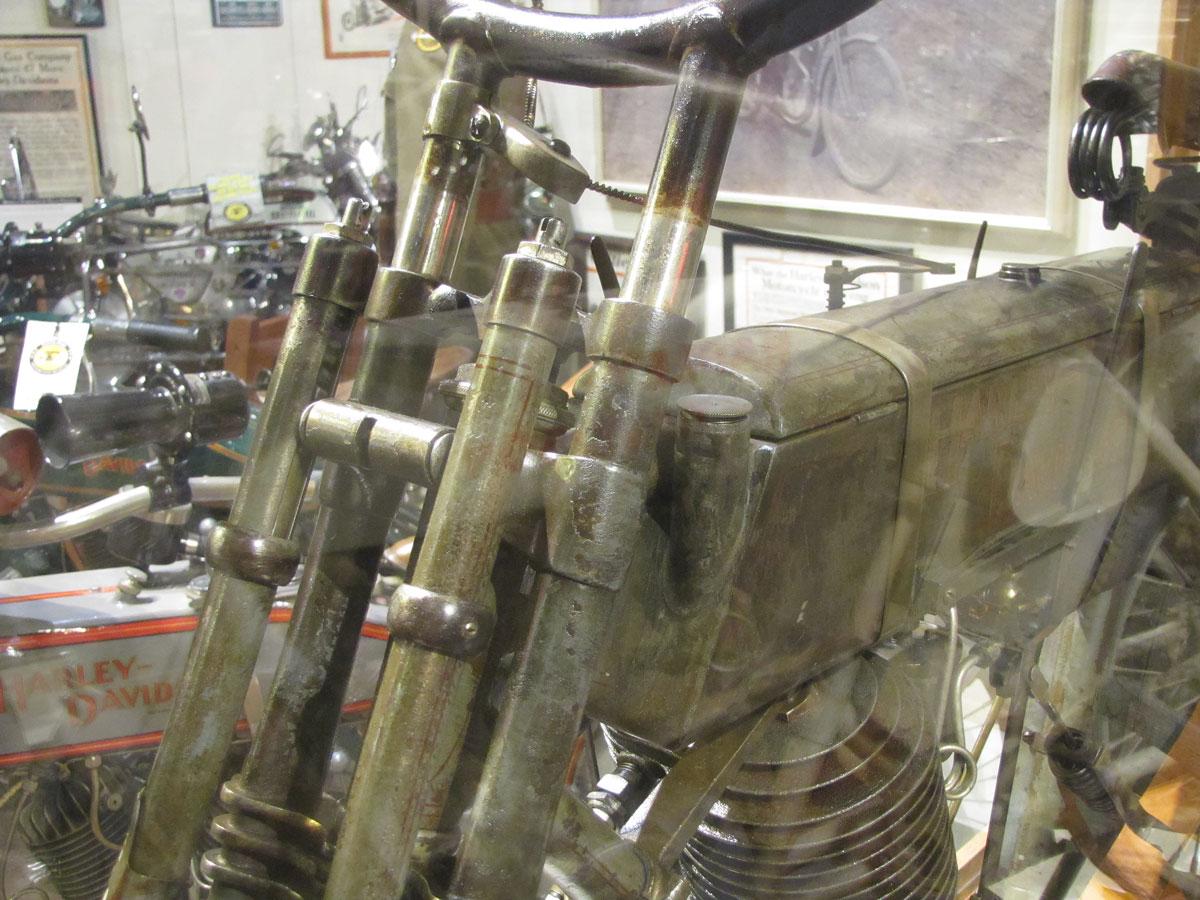 1908-harley-davidson-strap-tank_5