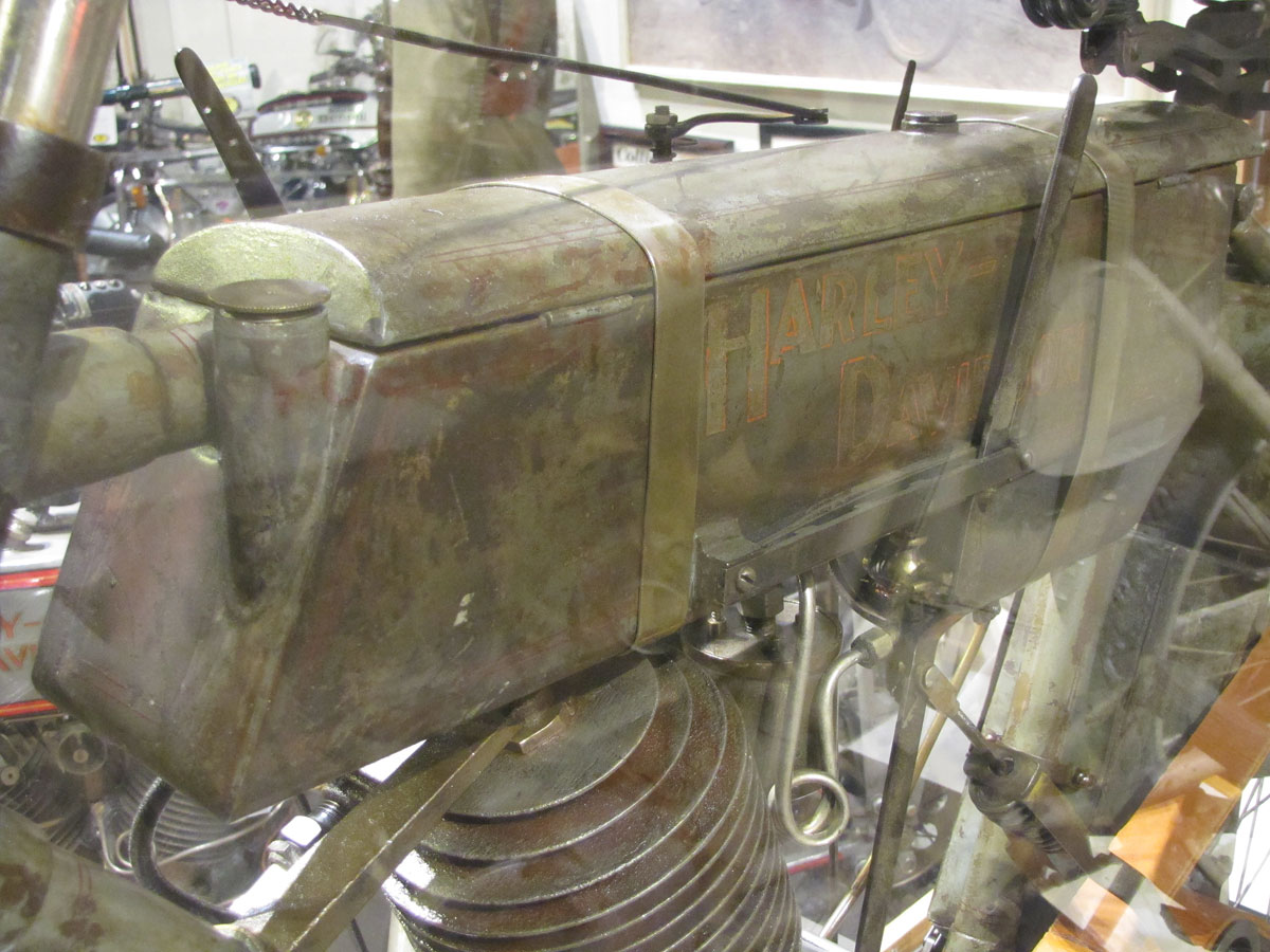 1908-harley-davidson-strap-tank_6