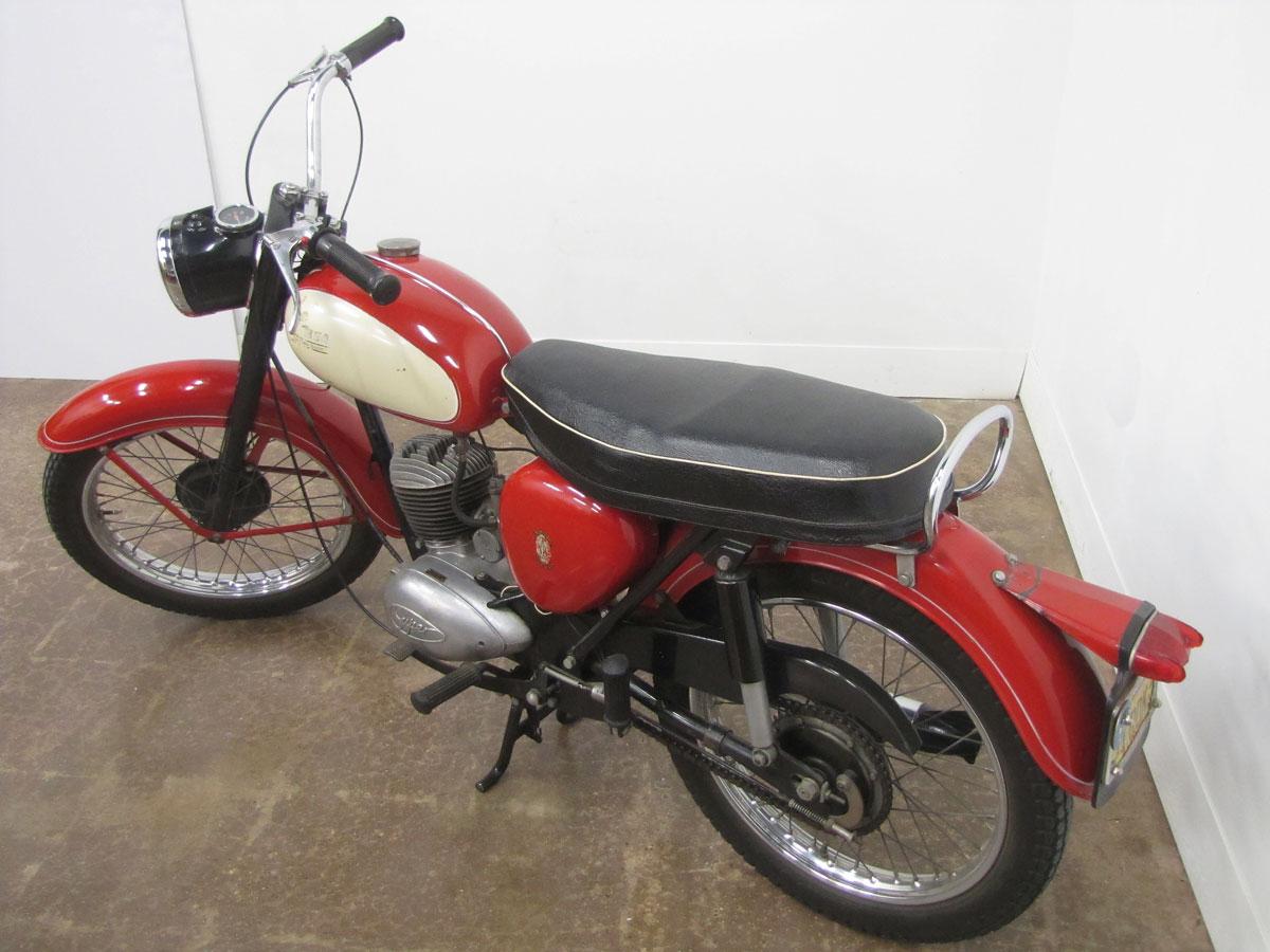1963-bsa-Bantam-D7_3