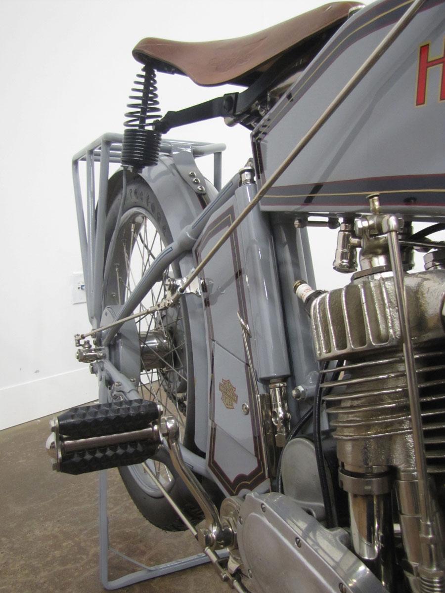 1914-Harley-Davidson-Model-10-F-Twin_14