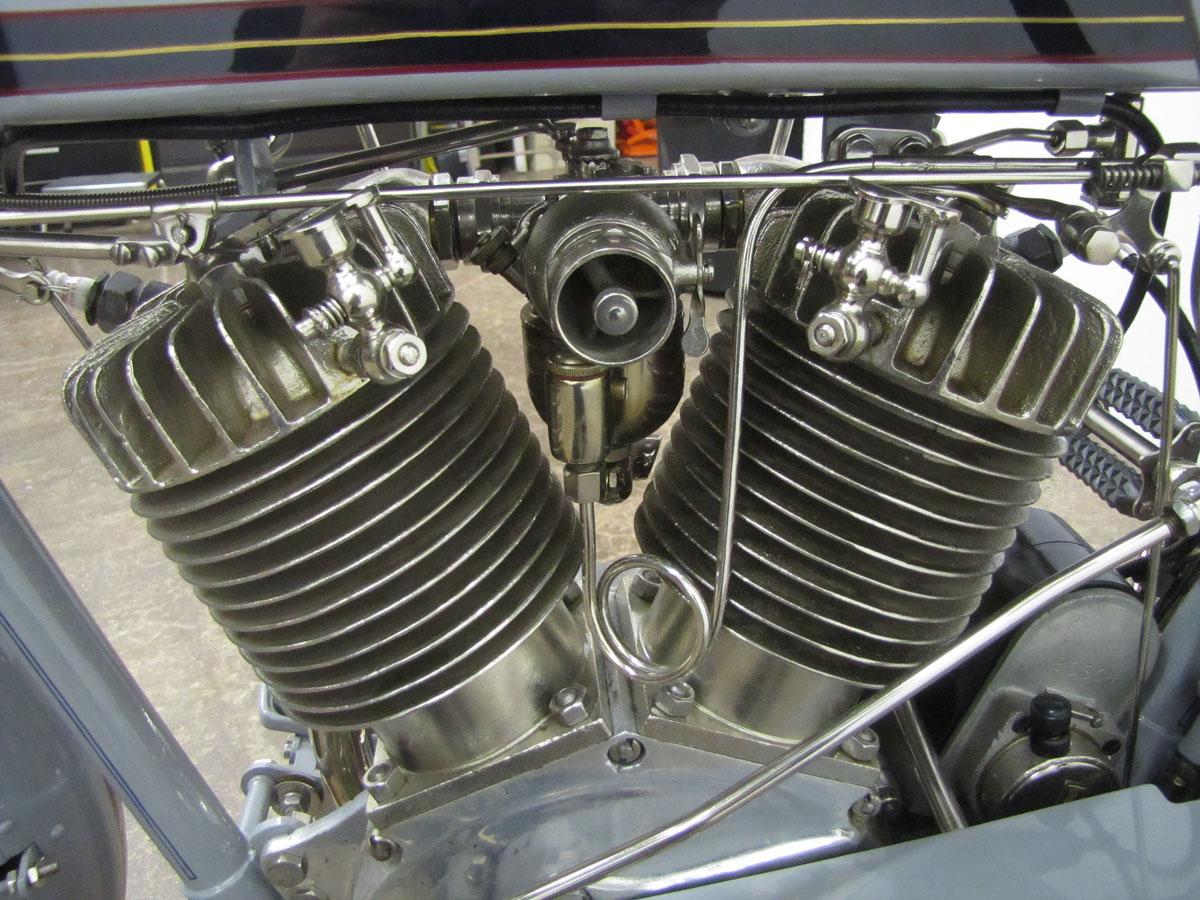 1914-Harley-Davidson-Model-10-F-Twin_40