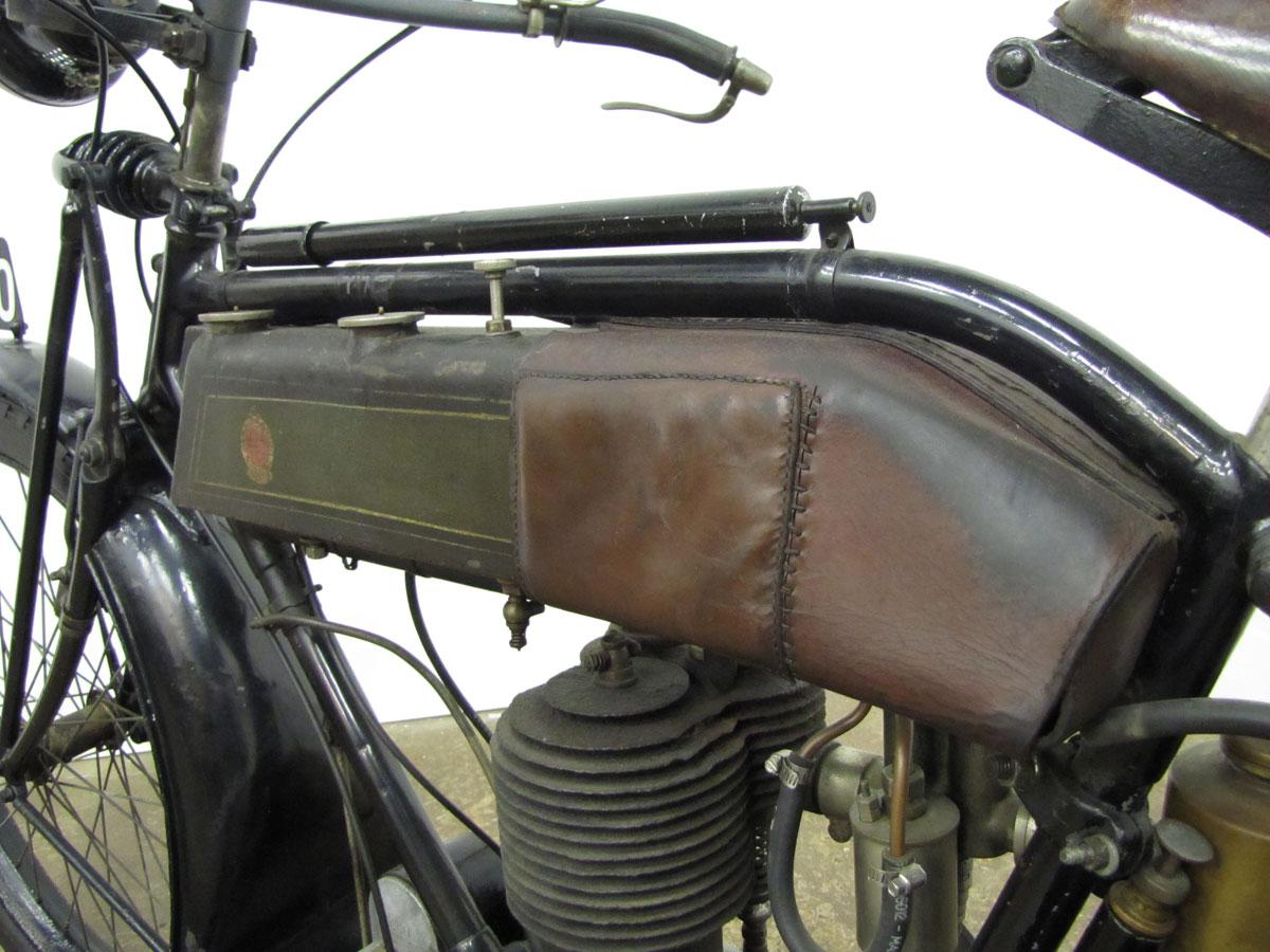 1917-triumph-model-h_10