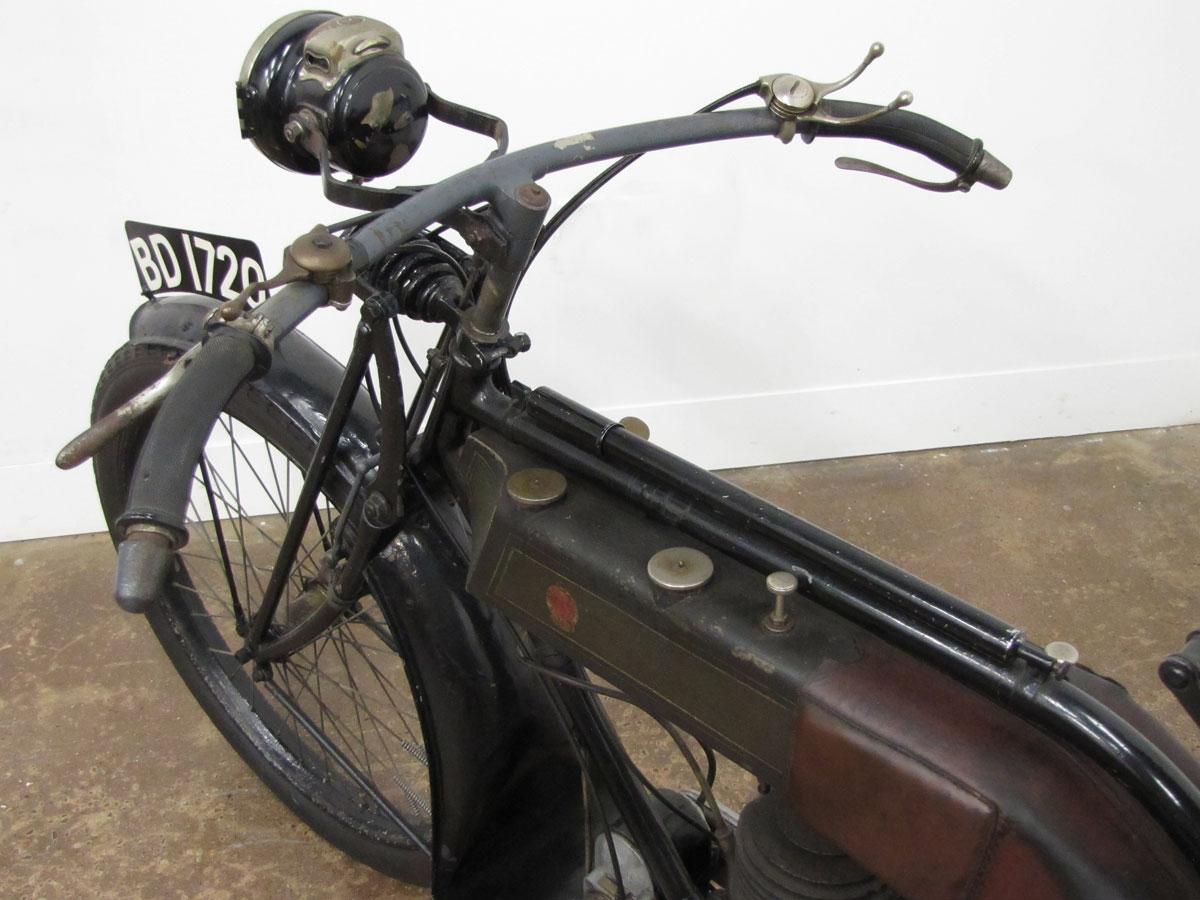 1917-triumph-model-h_14