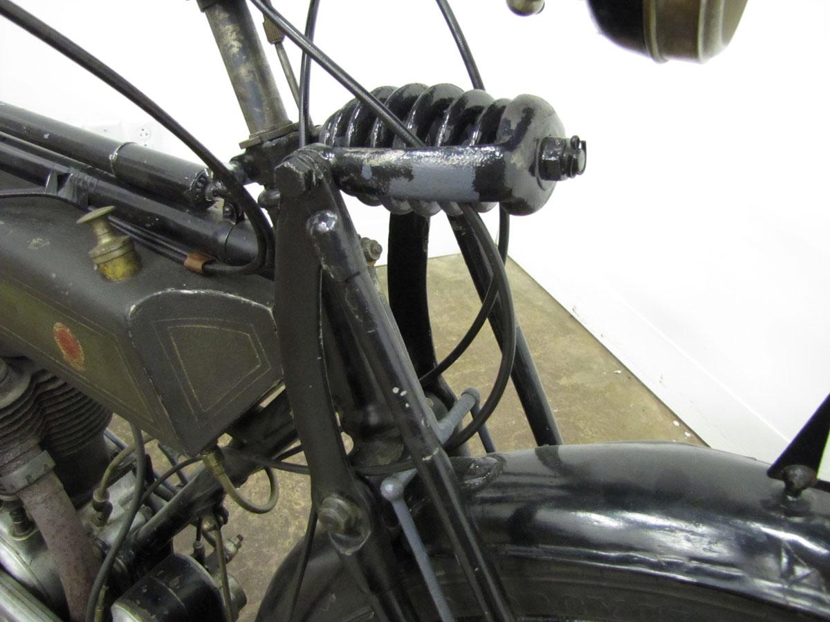 1917-triumph-model-h_16
