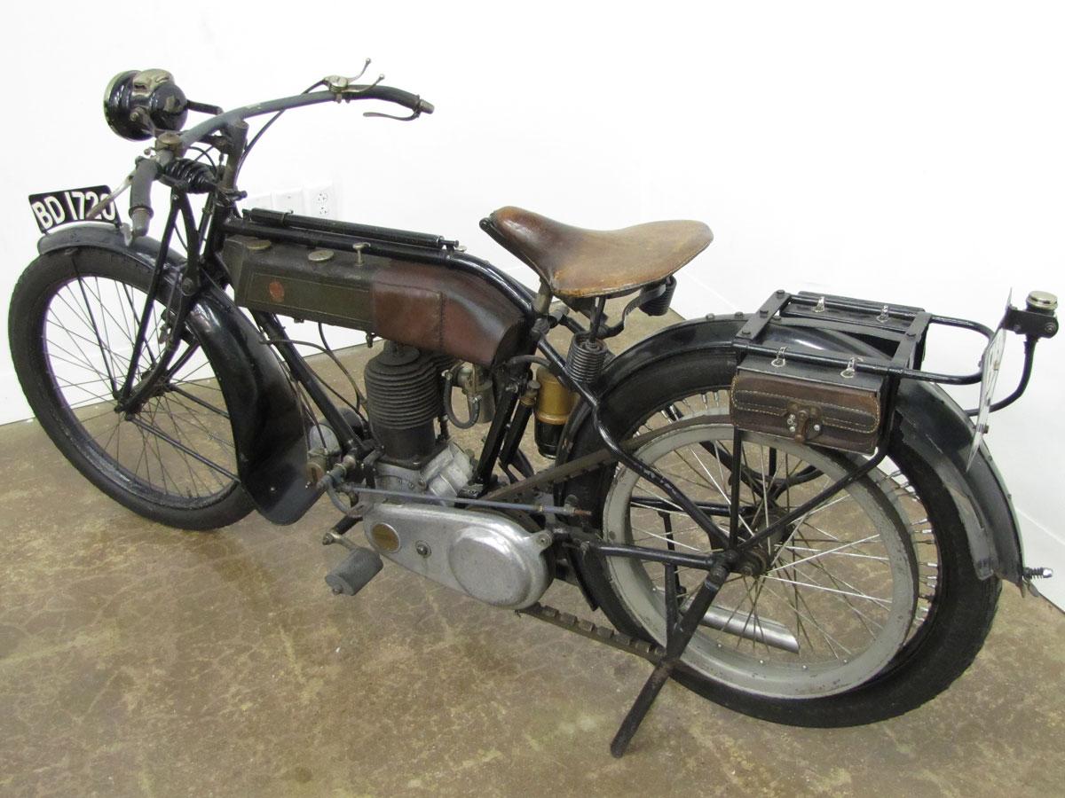1917-triumph-model-h_2