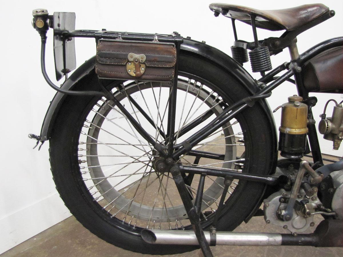 1917-triumph-model-h_26