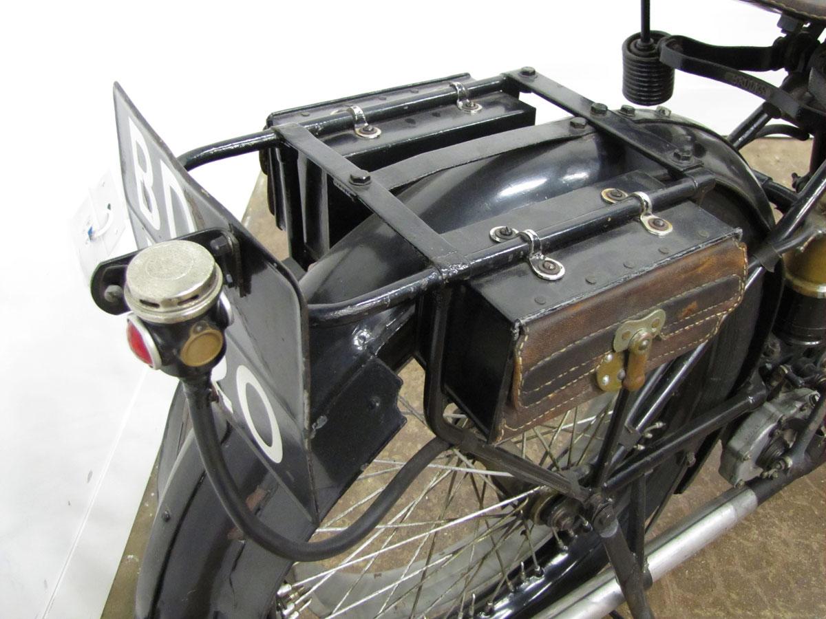 1917-triumph-model-h_30