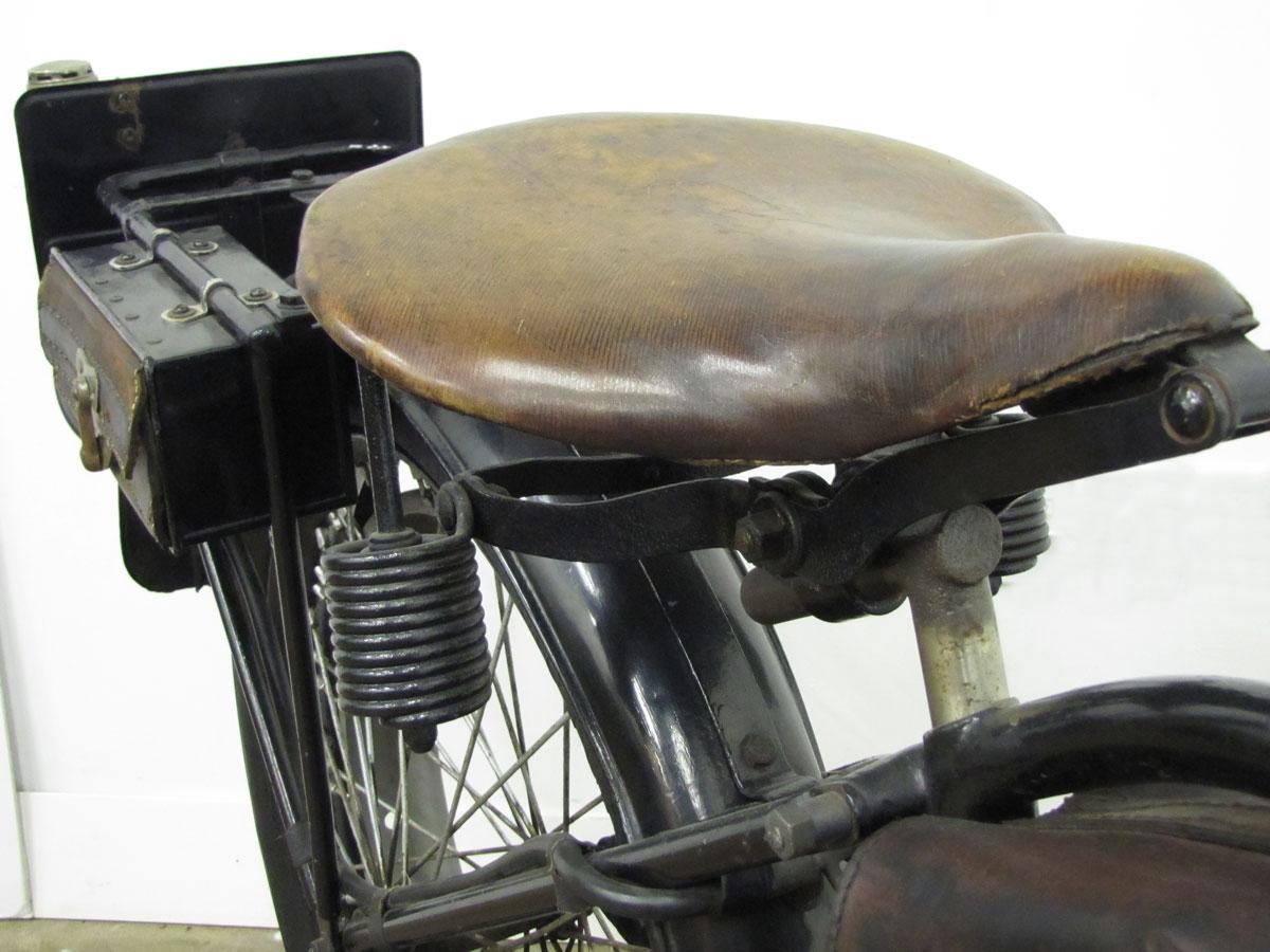 1917-triumph-model-h_38