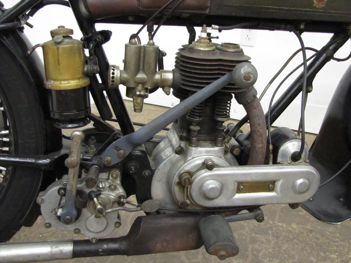 1917-triumph-model-h_44