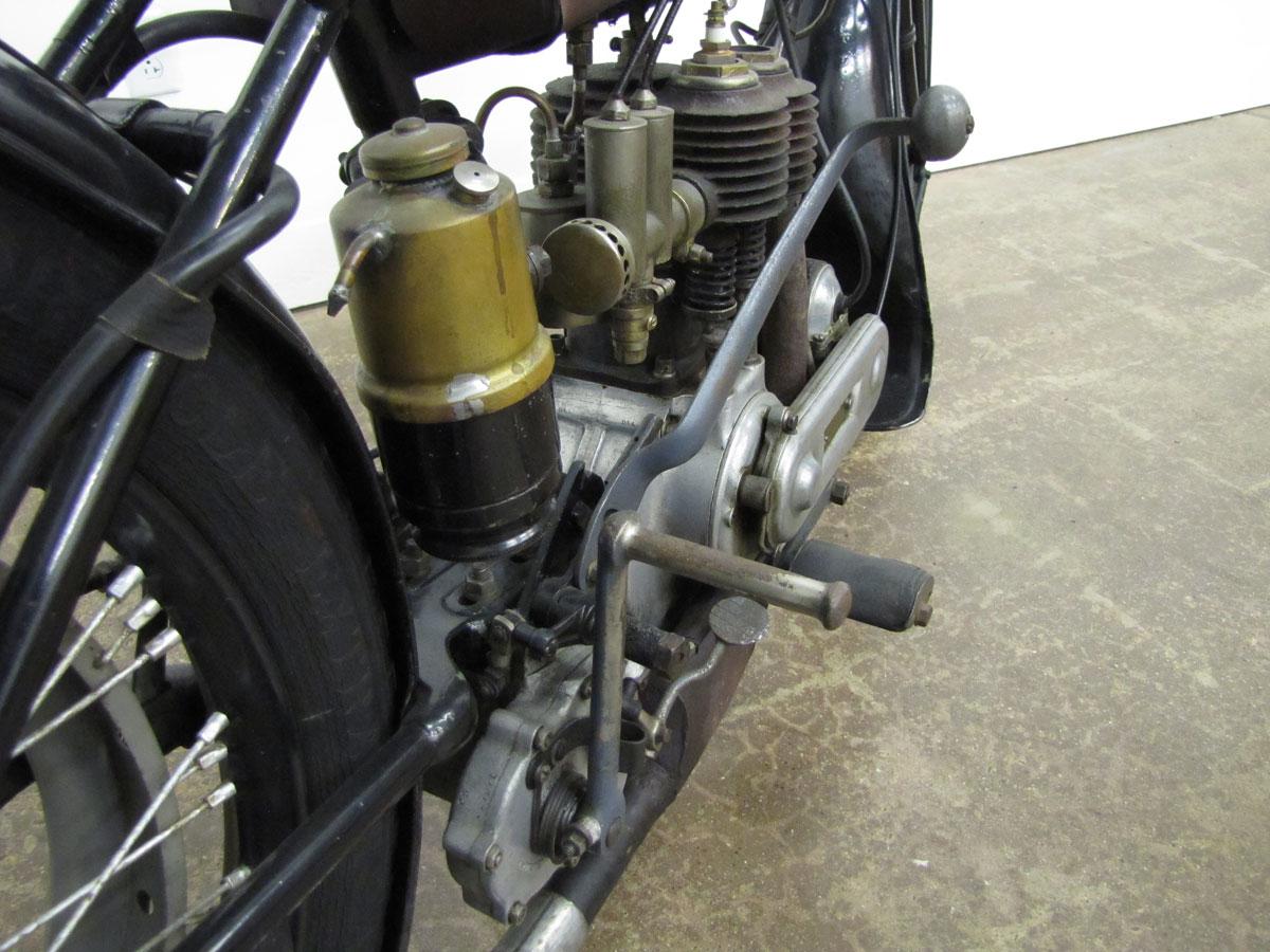 1917-triumph-model-h_45