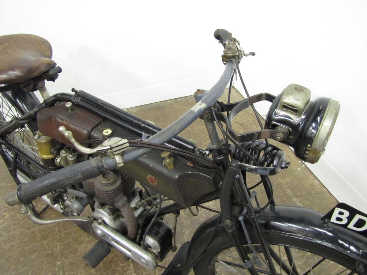 1917-triumph-model-h_7