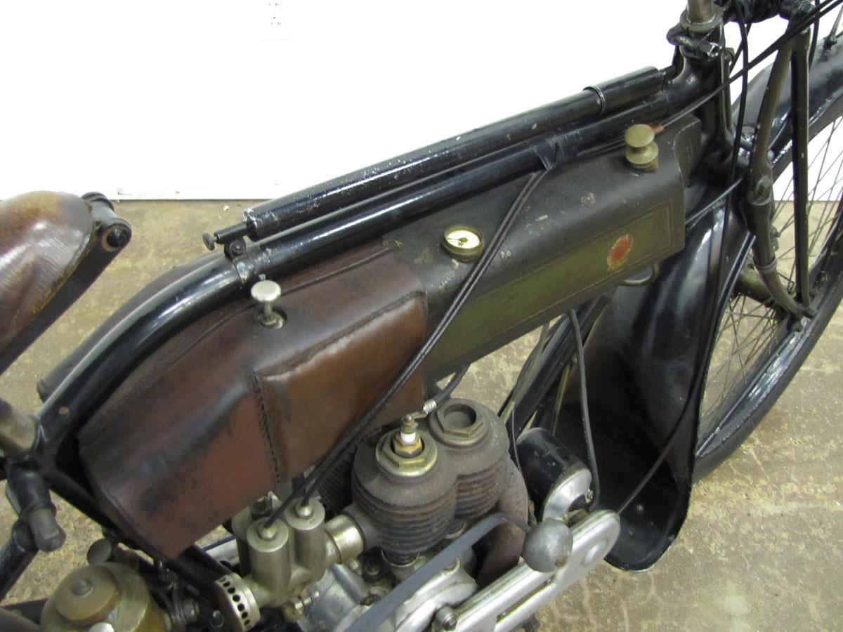 1917-triumph-model-h_9