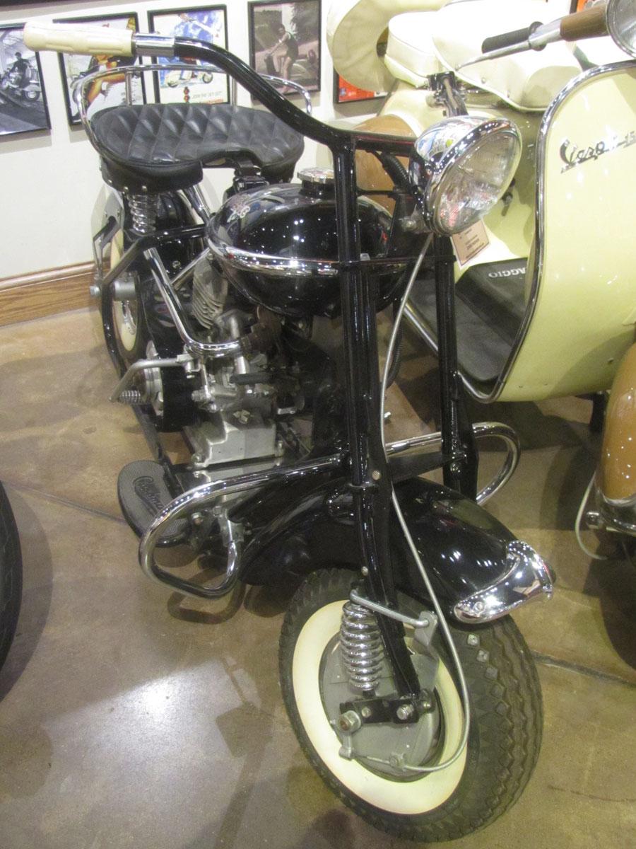 1954 Cushman Eagle - National Motorcycle Museum
