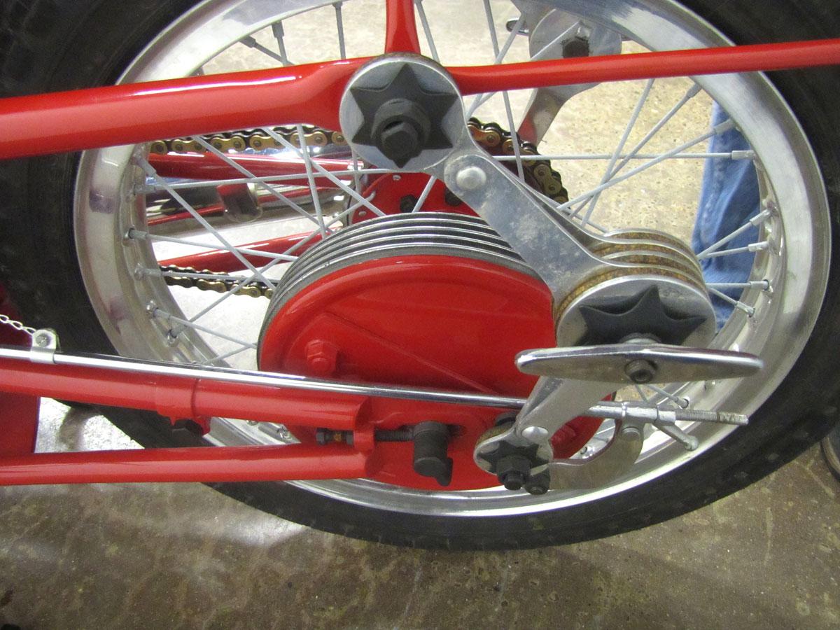 1957-moto-guzzi-falcone-sport_26