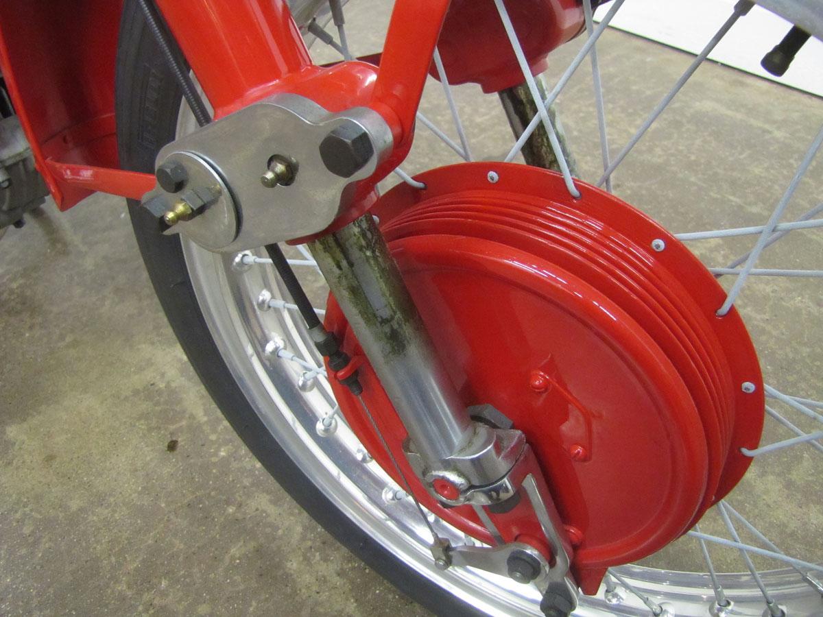 1957-moto-guzzi-falcone-sport_36