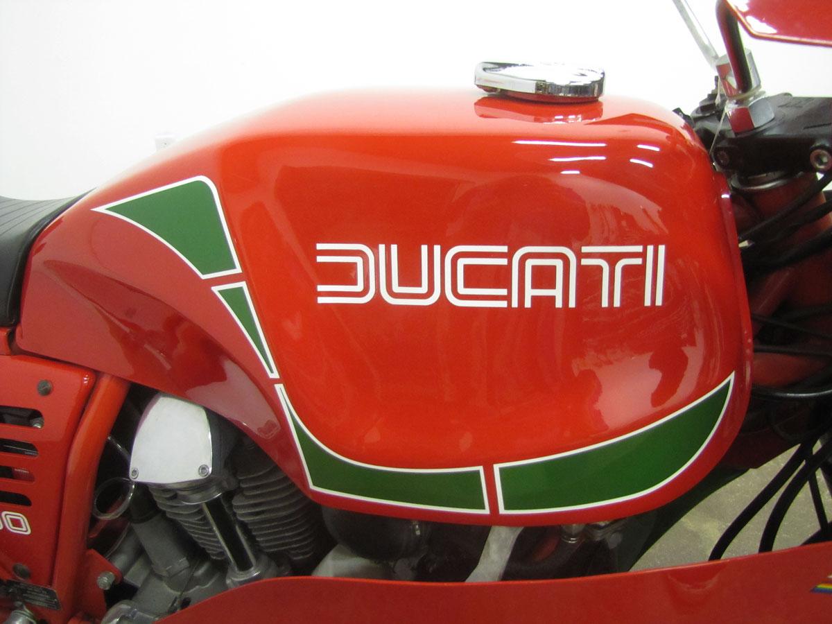 1982-hailwood-ducati-900_10