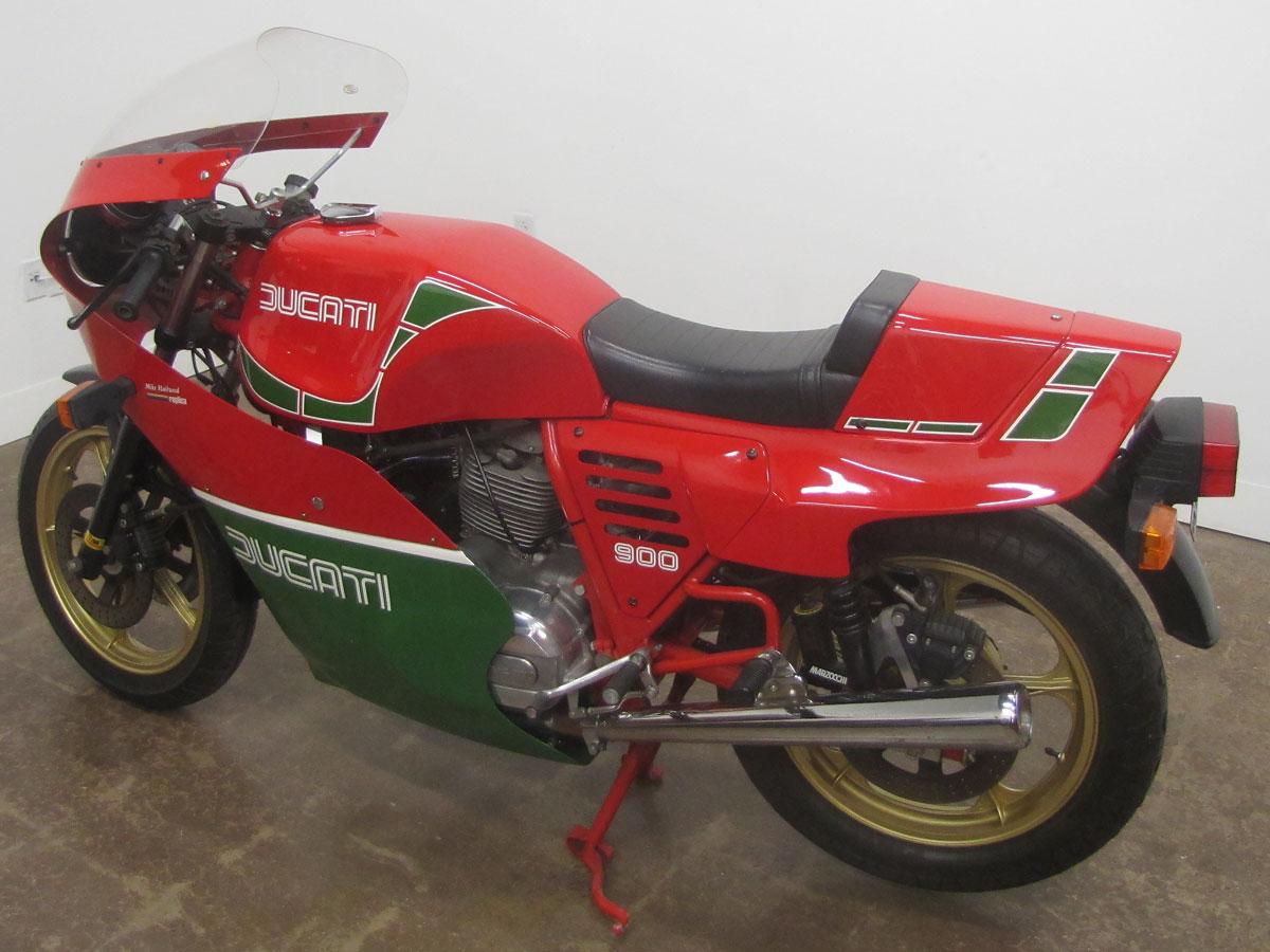 1982-hailwood-ducati-900_7