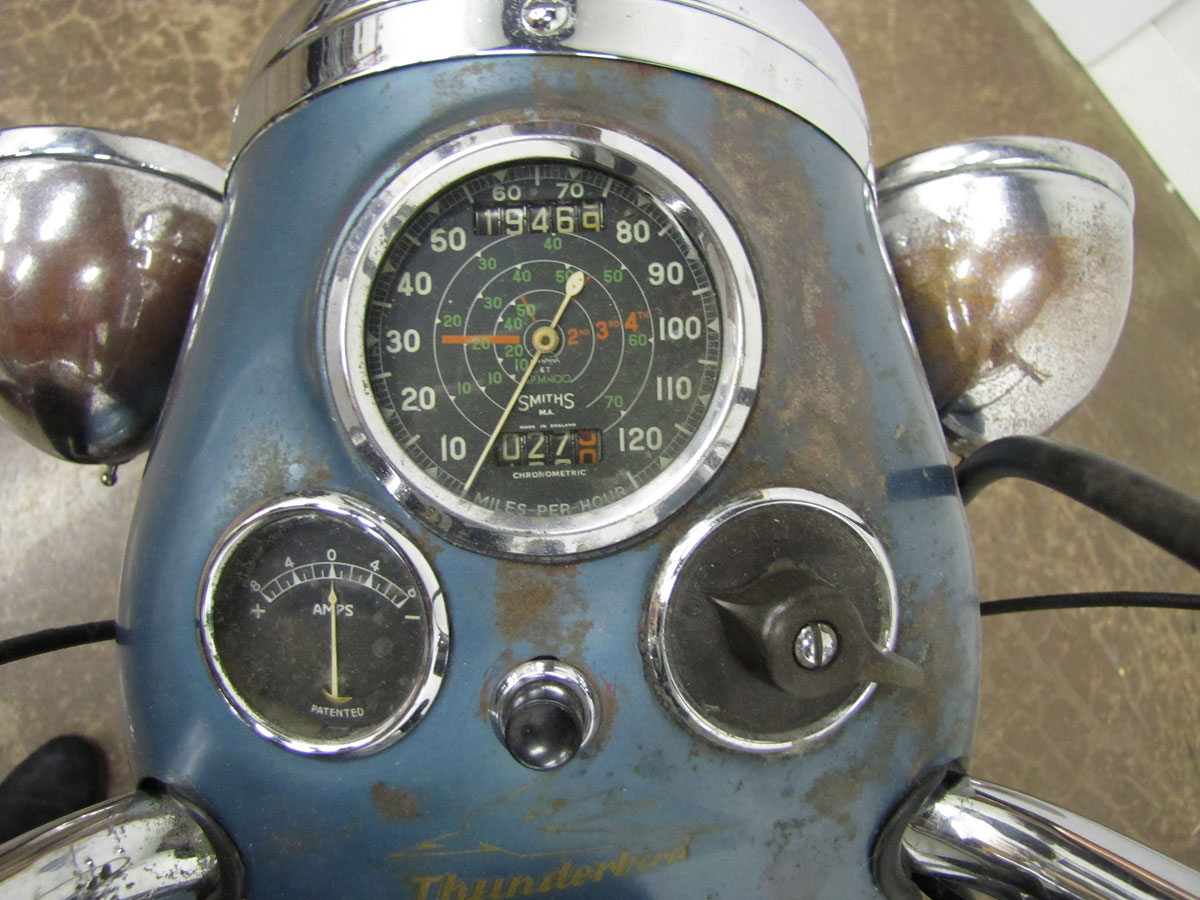 1952-triumph-thunderbird_13
