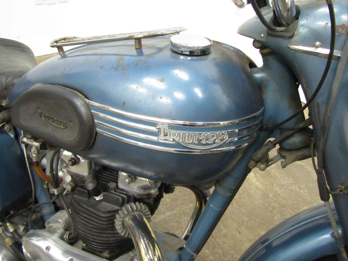 1952-triumph-thunderbird_8
