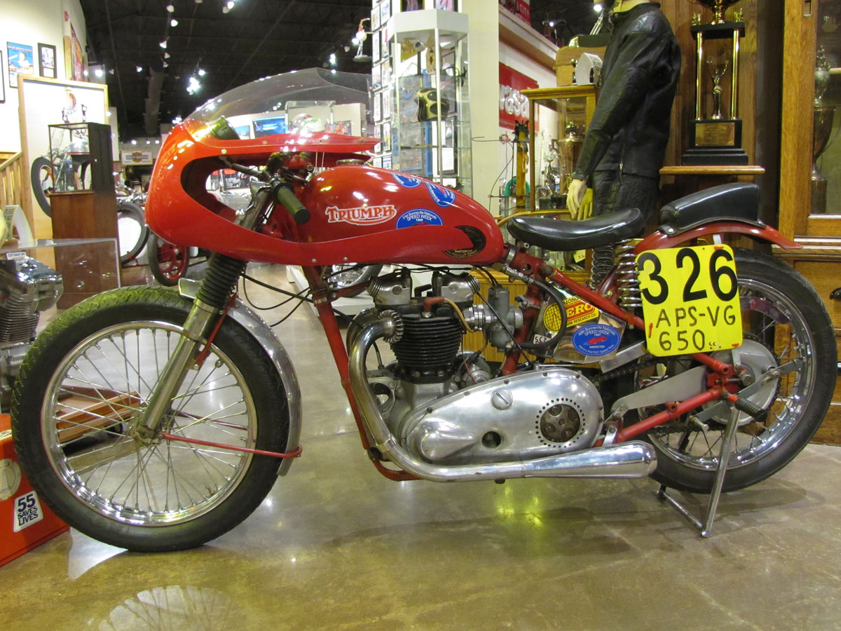 1953-triumph-t110_1