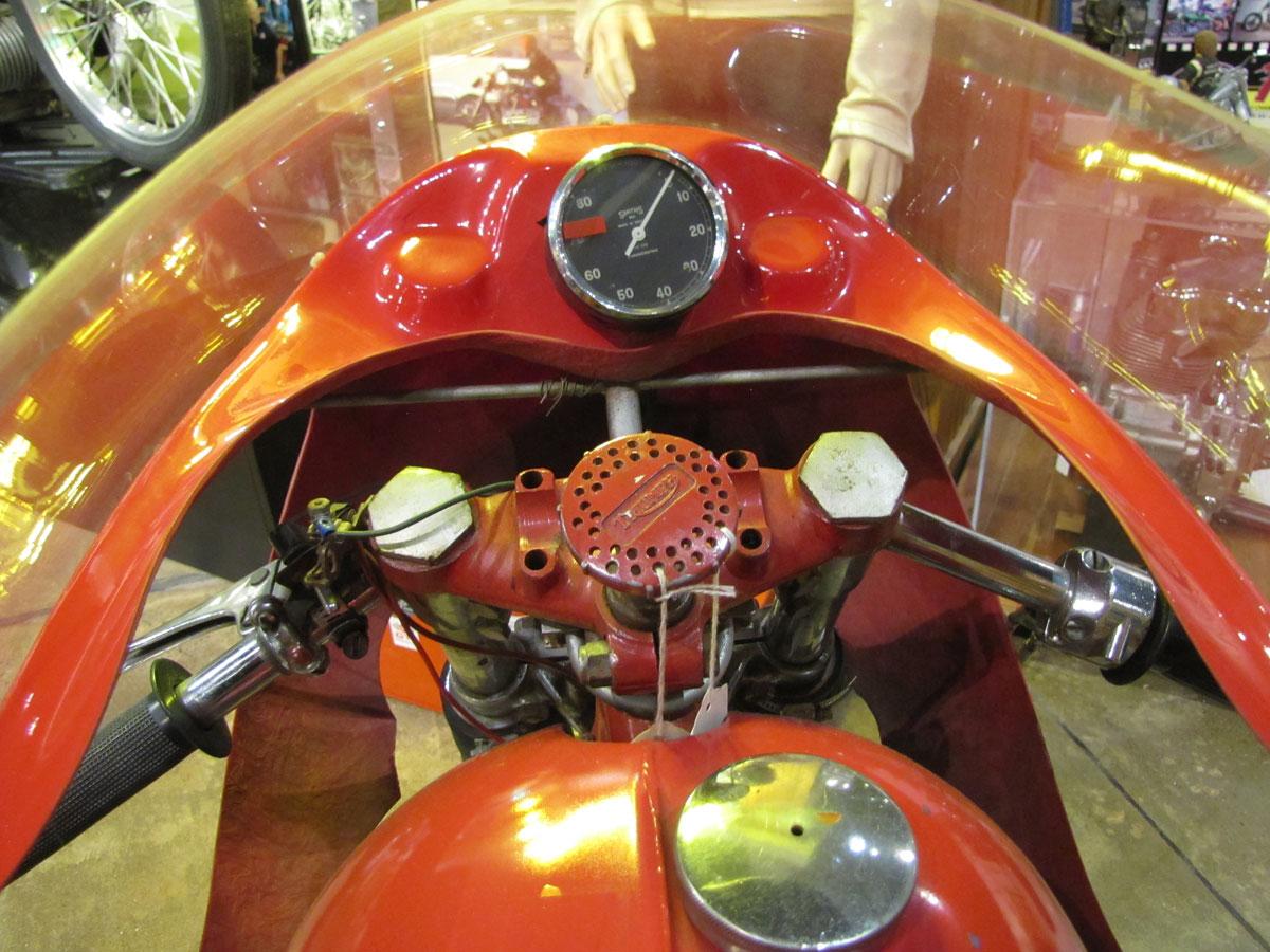 1953-triumph-t110_10