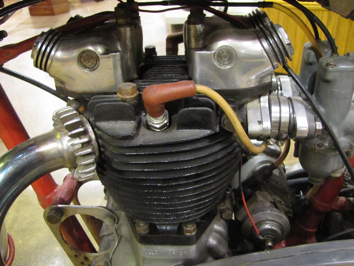 1953-triumph-t110_27