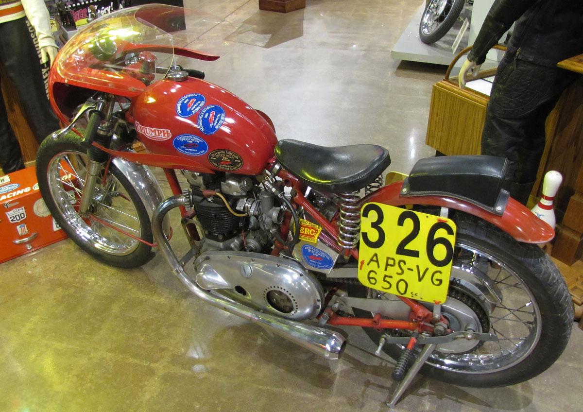 1953-triumph-t110_3