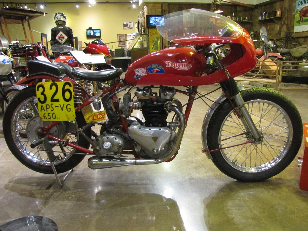 1953-triumph-t110_4