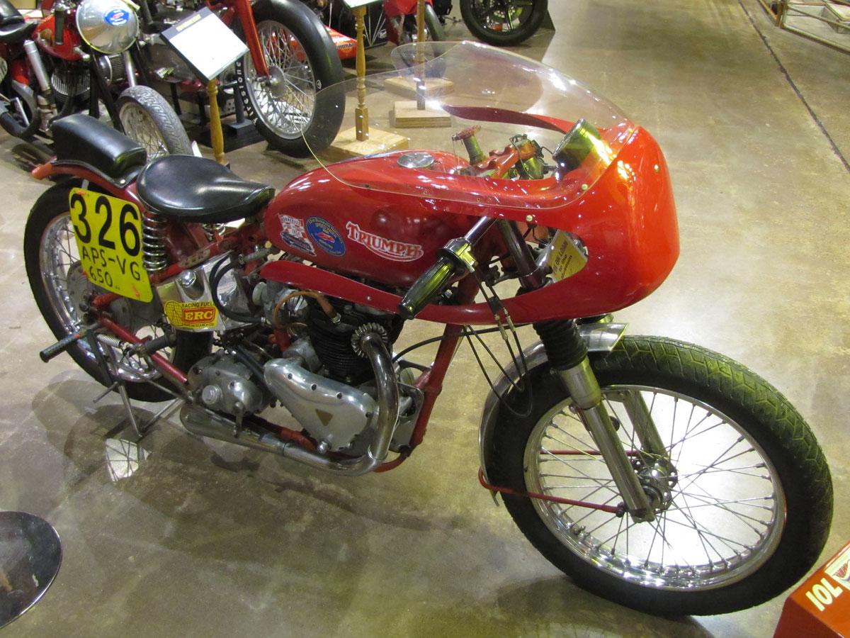1953-triumph-t110_5