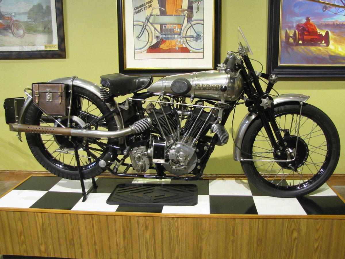 1927-brough-superior-ss100-pendine_1