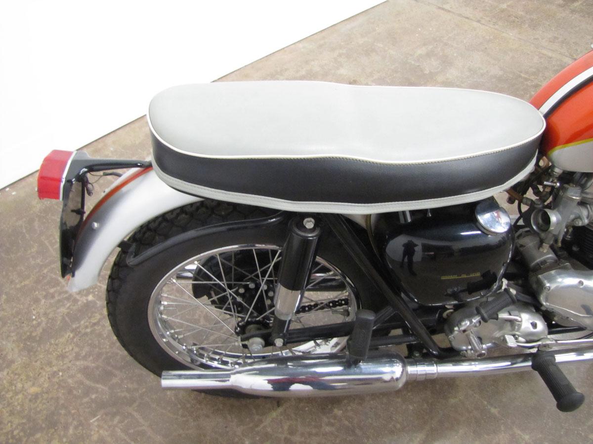 1962-triumph-bonneivlle-t120r_14