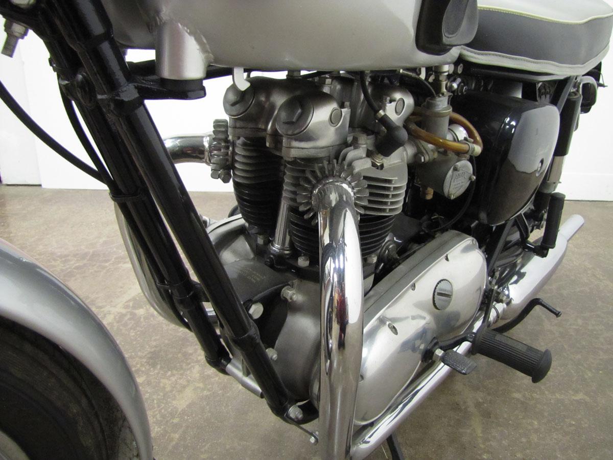 1962-triumph-bonneivlle-t120r_26