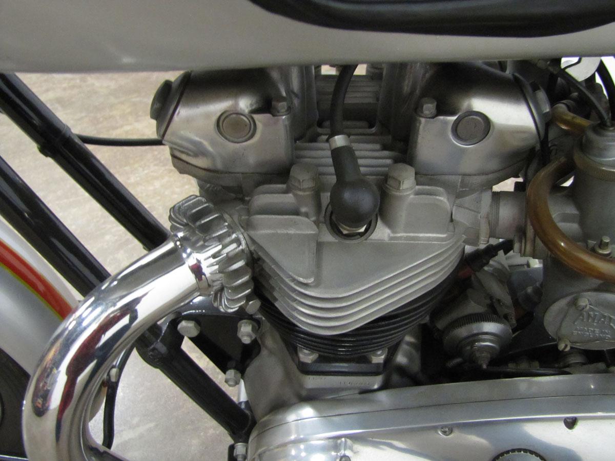 1962-triumph-bonneivlle-t120r_28
