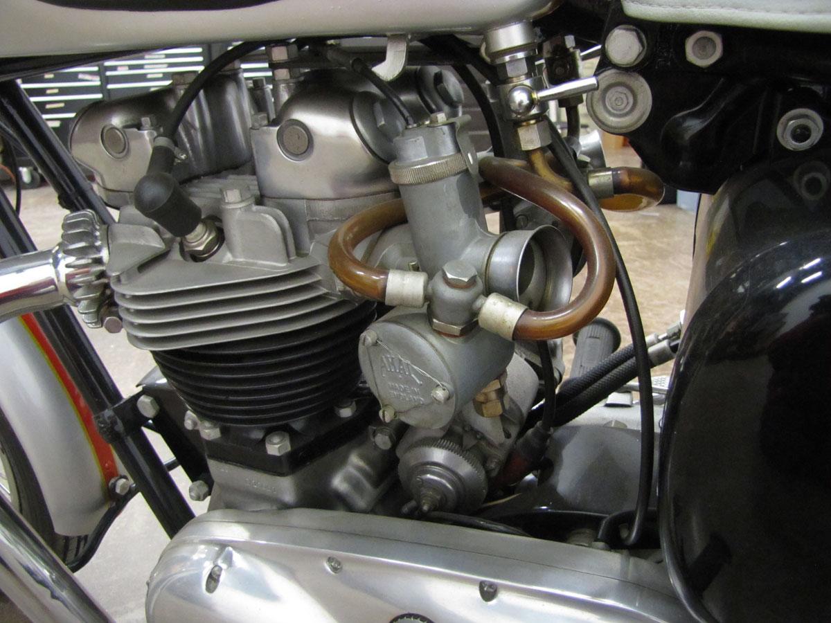 1962-triumph-bonneivlle-t120r_32