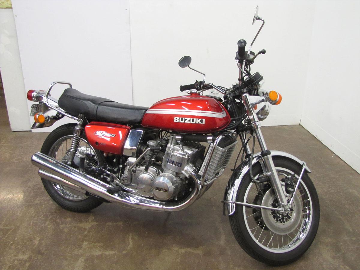 1975-suzuki-gt750_1