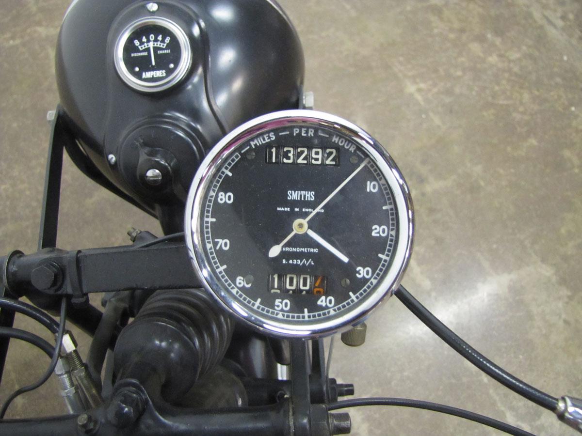 1947-velocette-mov_11